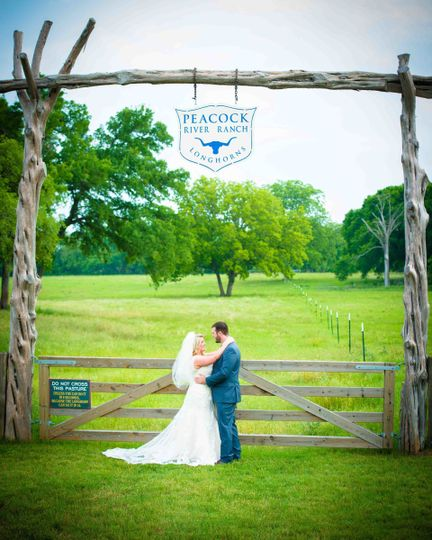 800x800 1498772048953 wedding venue central texas 8 of 43