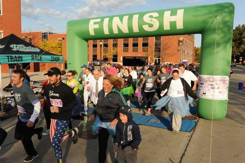 A 3.1 mile fun walk/run and bridal show in Kansas City for engaged couples and bridal parties. Dress...
