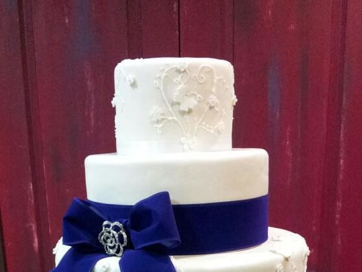 Tmx 1499988114983 Boles Wedding Cake Bakersfield, CA wedding cake