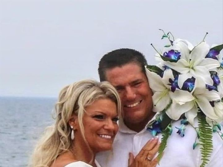Tmx Chrisitne And Wayne Beach 2 51 1884991 160185297014270 Saco, ME wedding officiant