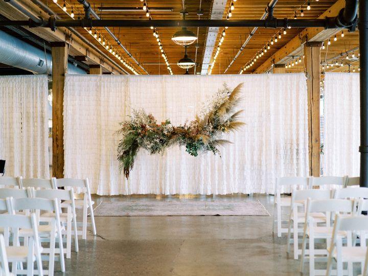 Tmx Dsc09320 51 1026991 157854175980372 Grand Rapids, MI wedding florist