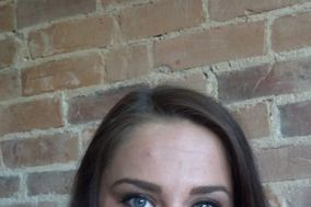 Shawna Windle- Lash Stylist and Esthetician
