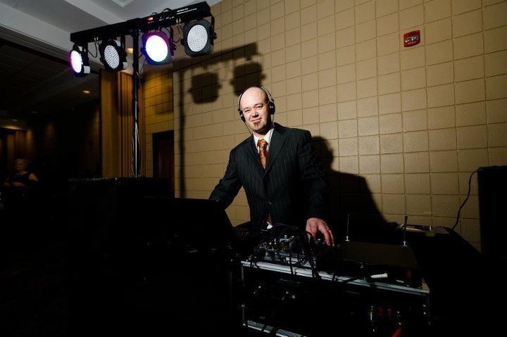 dj jimmy harris at desiree venneman wedding recept
