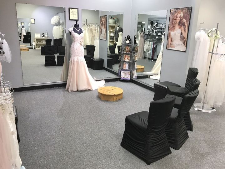 Tmx 1496680948109 Fullsizerender 10 Dubuque wedding dress