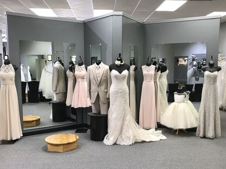 Tmx 1496680966281 Fullsizerender 12 Dubuque wedding dress