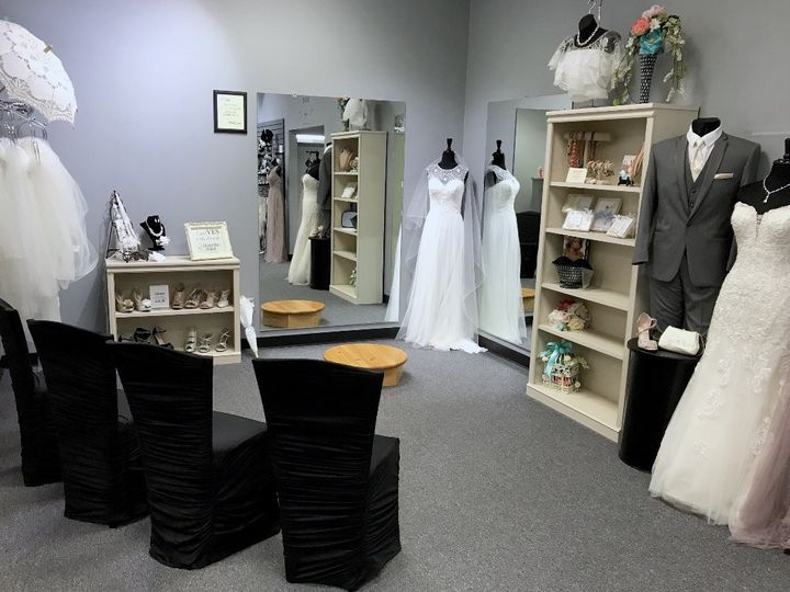 Tmx 1496681021445 Fullsizerender 19 Dubuque wedding dress