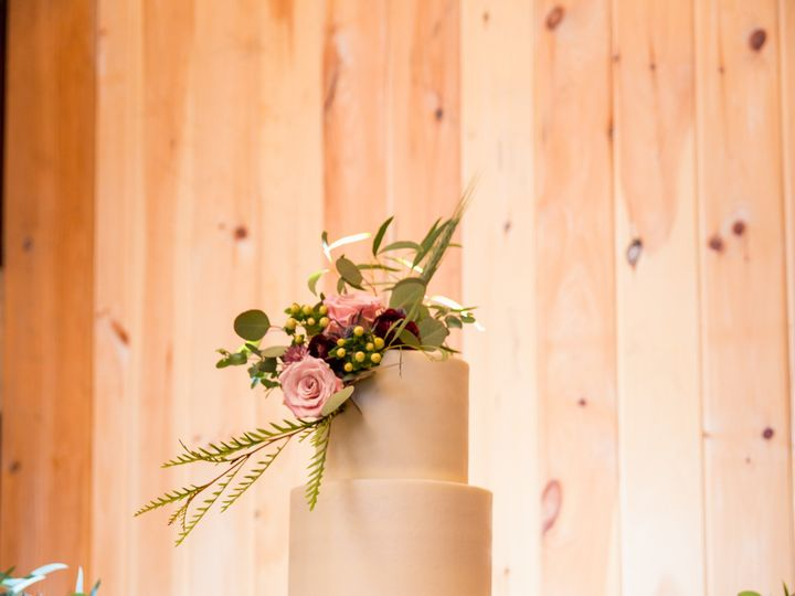 Tmx Carrie 51 524002 1569788274 Winchester, District Of Columbia wedding cake