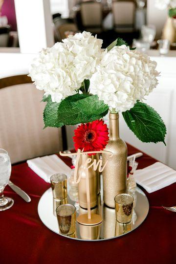 Simple guest table centerpiece