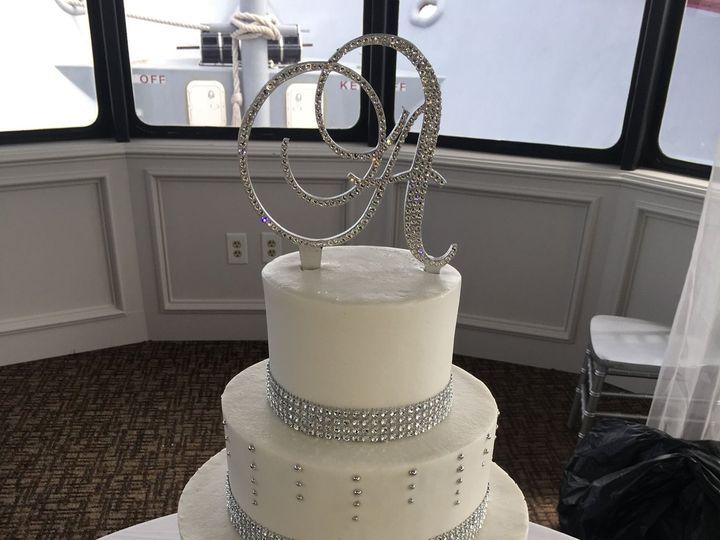 Tmx 1532987318 70b121536e7ec7b1 1532987316 C68eb6e3de3553a9 1532987313049 12 IMG 1247 Destin, FL wedding cake