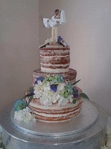 Tmx 1532989134 141586ded5b5aeed 1532985732 894aedfc7e94effd 1532985731 Df06cf5d14bb516a 153298 Destin, FL wedding cake