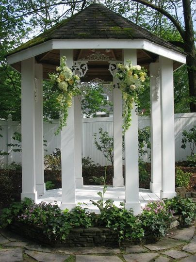 Outdoor Gazebo Flowers Cj's off the Square Franklin Tennessee