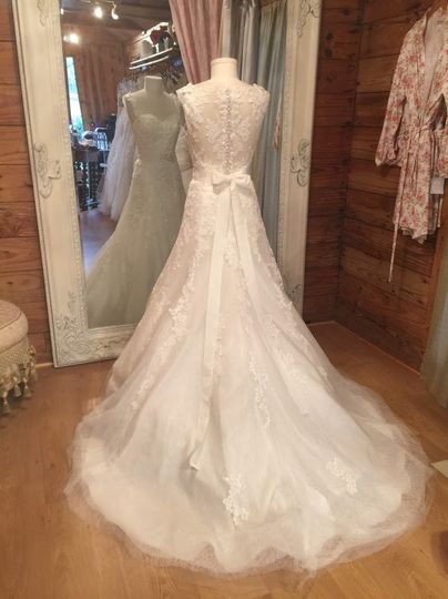 Fiancee bridal boutique dress attire spring tx for Wedding dresses spring tx