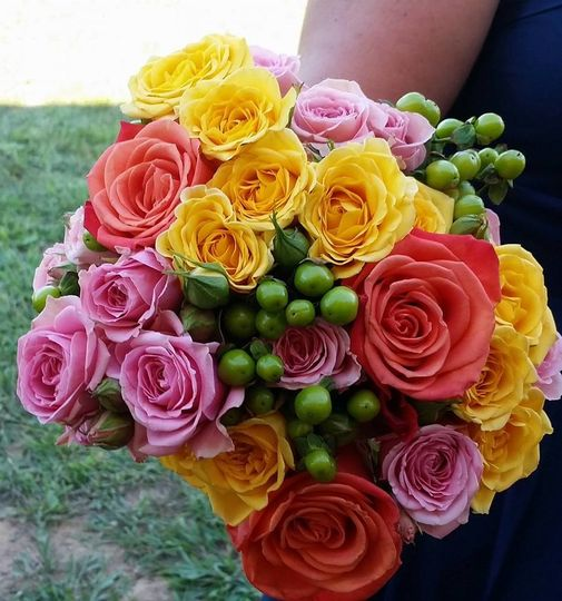 Bridesmaid bouquet for an outdoor wedding