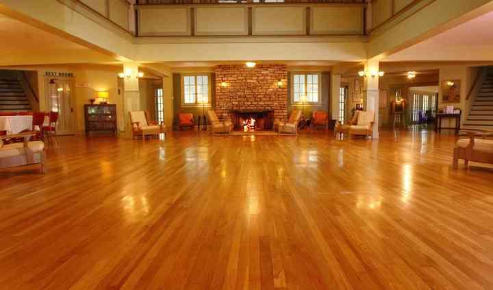 Wildwood Springs Lodge