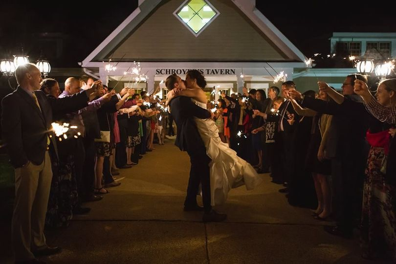 Sparkler send-offs in front of the clubhouse are popular, and we can understand why!