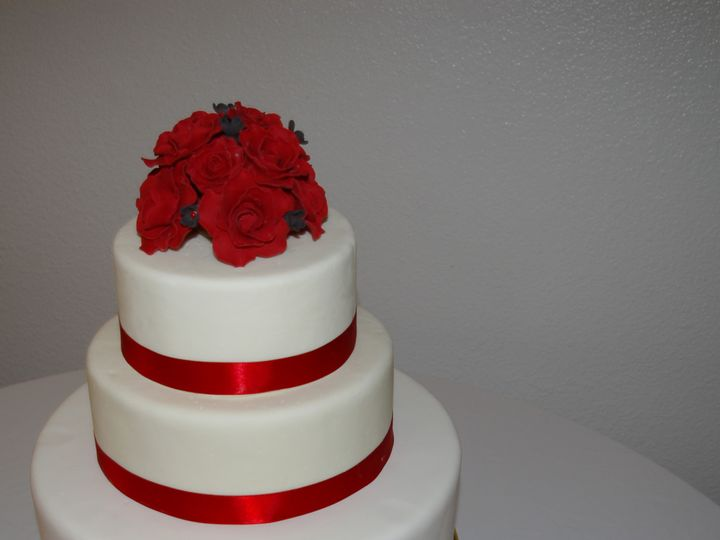 Tmx 1403641355928 Redrosecake San Diego wedding cake