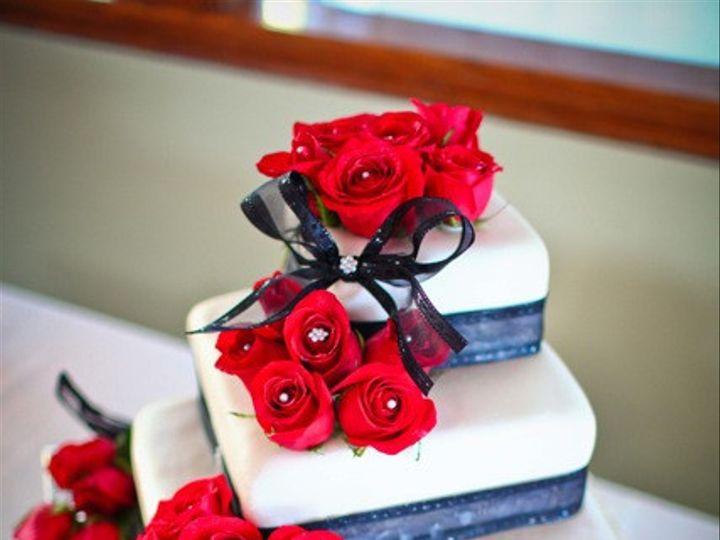 Tmx 1403641364688 Redrosesquarecake2 San Diego wedding cake