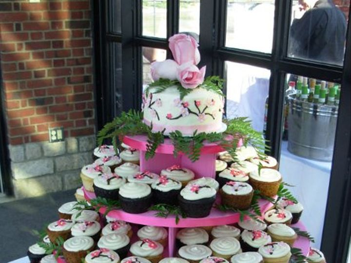 Tmx 1308277484989 Cupcakes5 Parkville, MD wedding cake