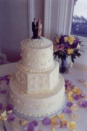 Tmx 1308277524442 Mixshape15 Parkville, MD wedding cake