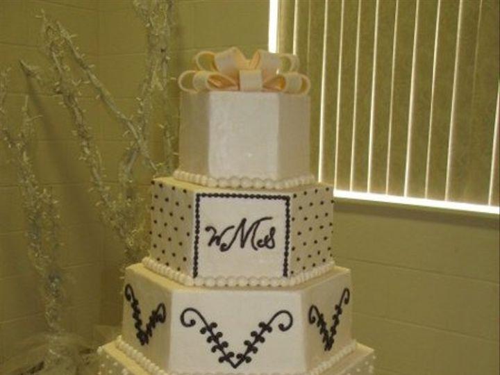 Tmx 1308277530082 Mixshape20 Parkville, MD wedding cake