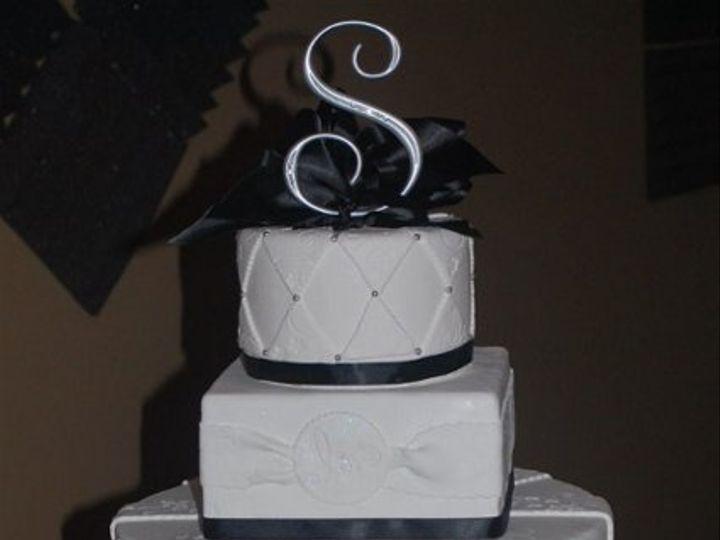 Tmx 1308277552911 Mixshape4 Parkville, MD wedding cake