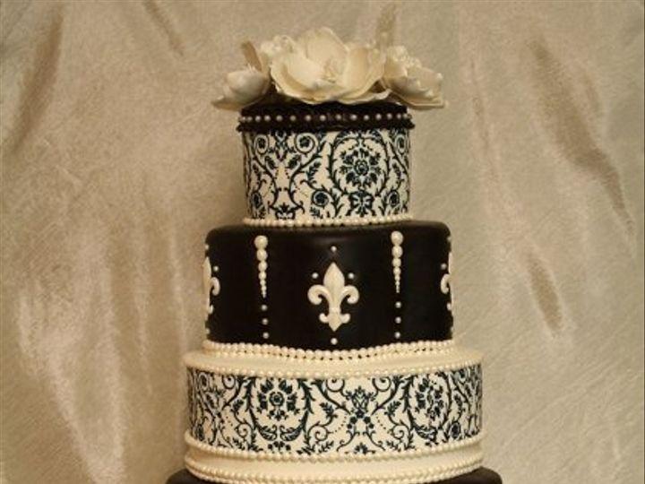 Tmx 1308277571004 Mixshape7 Parkville, MD wedding cake
