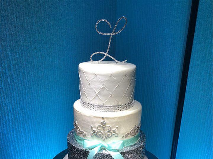 Tmx 42285280742 8277c18a14 Z 51 139102 Chesapeake wedding cake