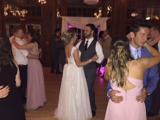 Bridal party dance