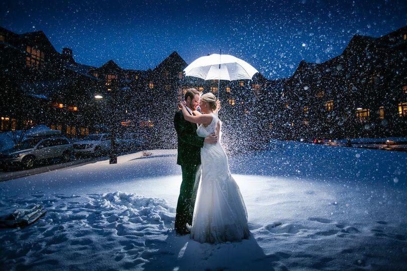 Newlyweds under the snow
