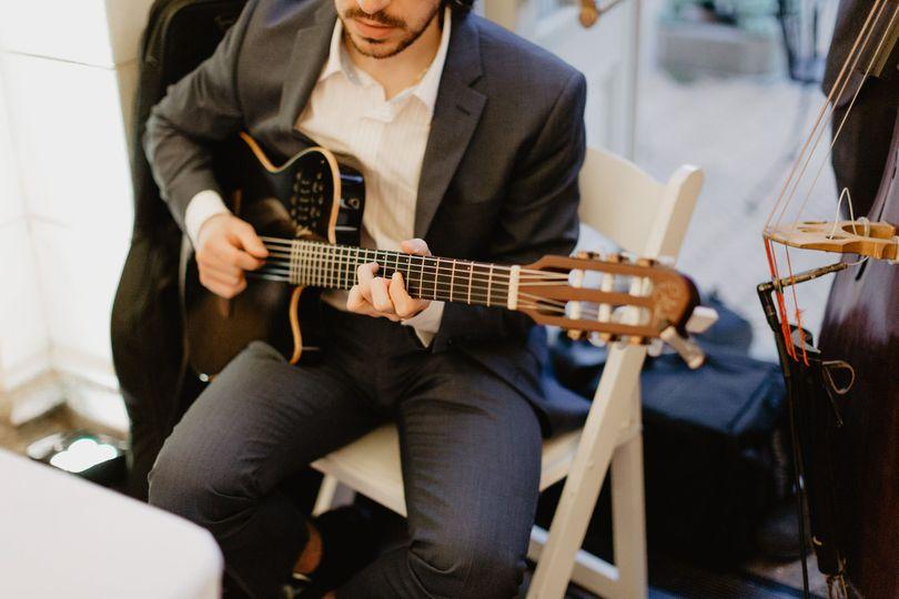 AH Trio: Guitar
