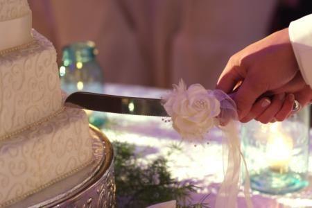 Wedding cutting