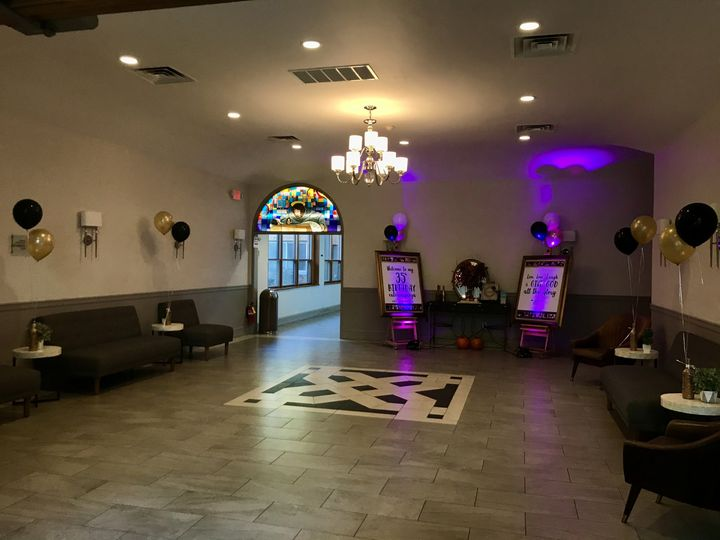 Lobby/Cocktails L.