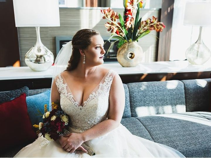 Tmx Nicole Lobby 51 985302 Noblesville, IN wedding venue