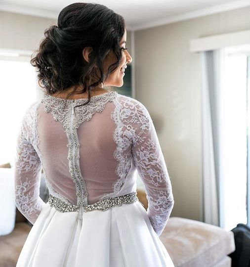 Sleeved lace wedding dress