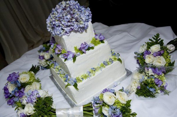 CarriesWeddingCake1
