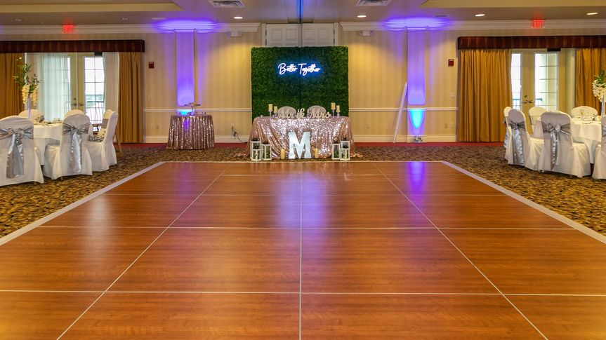 Head Table & Dance Floor