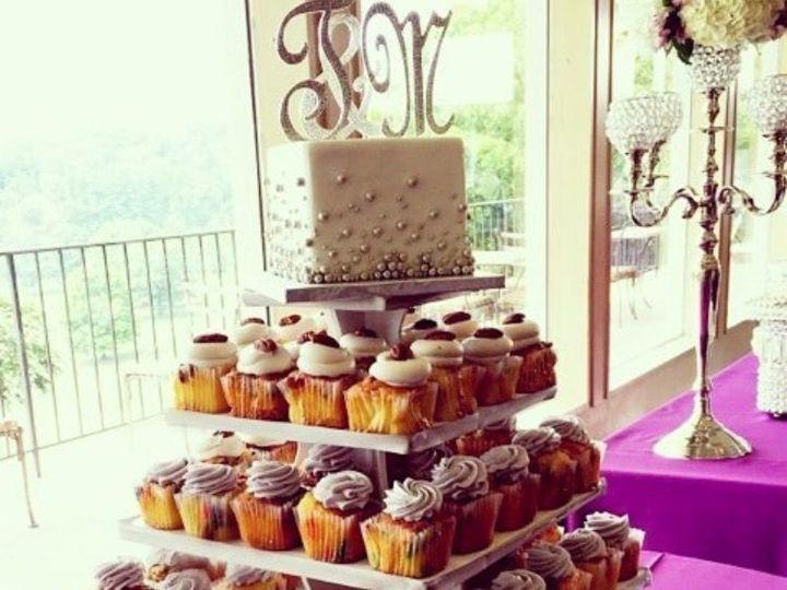 Tmx 1518140435 6ac471b49fd8aeaf 1518140434 1d11fe196ed94690 1518140433486 3 IMG 8310 Owings Mills, Maryland wedding cake