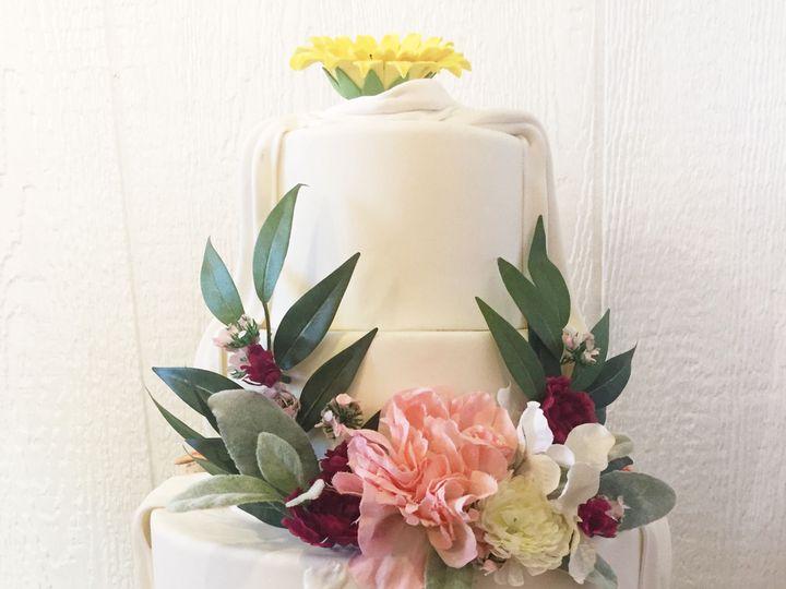 Tmx 1518140449 93d07c5dd0d7c9eb 1518140445 29234940079f0cf4 1518140433498 15 IMG 8332 Owings Mills, Maryland wedding cake