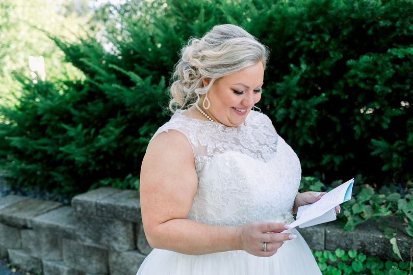 Airbrush makeup on the beautiful bride