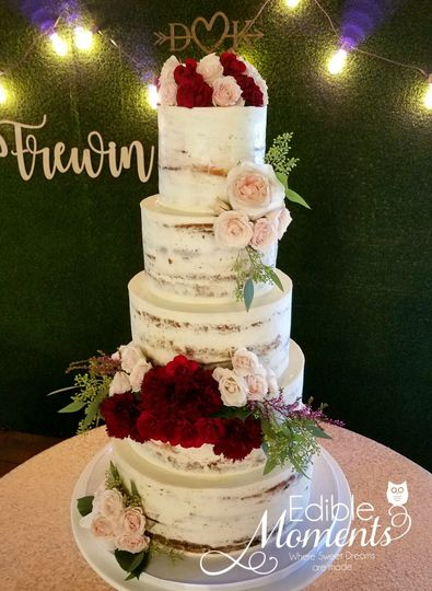 Naked Wedding Cake Design with fresh florals