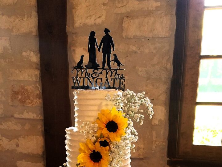 Tmx 1508176332549 Lora Sunflower Wedding Cake Richmond, TX wedding cake