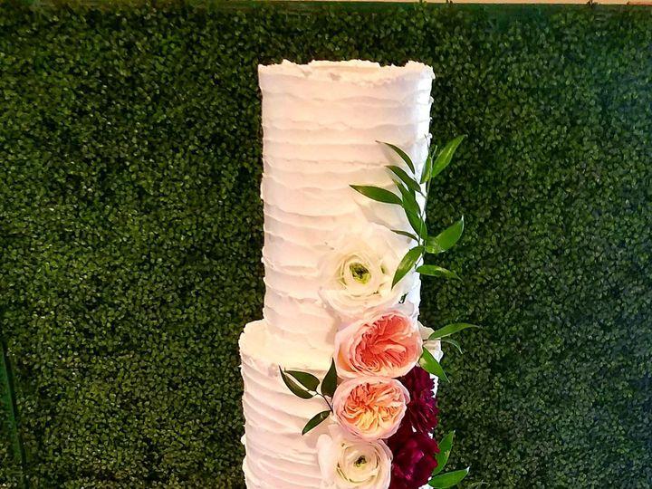 Tmx 1516514515 A0a467f90ec7db3c 1516514513 D17535ed81761b45 1516514491850 1 Rylan Double Barel Richmond, TX wedding cake
