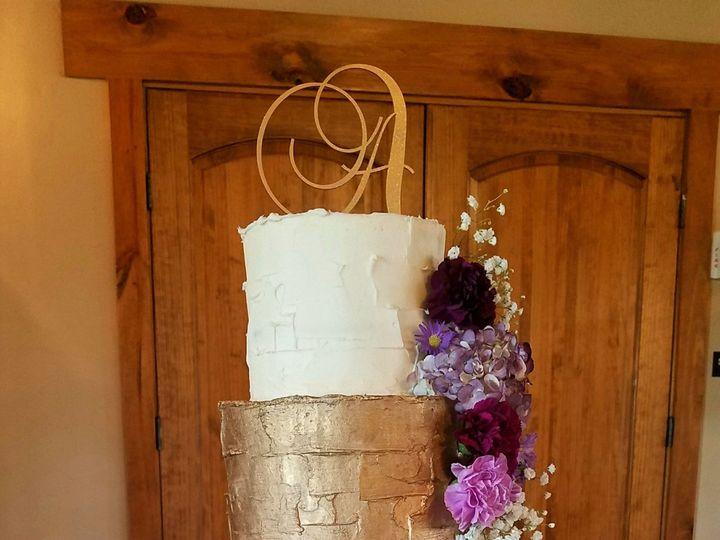 Tmx 1521164914 F0a236b80eb93678 1521164912 810fee58e3e57a08 1521164910258 1 Gold Tier Butter C Richmond, TX wedding cake