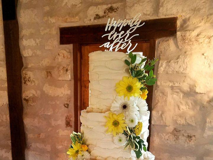 Tmx 1529718008 819b1b6b568f69ba 1529718006 466b21879baef786 1529718006731 2 Jessica King Sean  Richmond, TX wedding cake