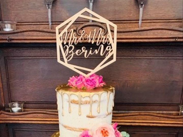 Tmx Naked Gold Drip 51 692602 160406976735255 Richmond, TX wedding cake
