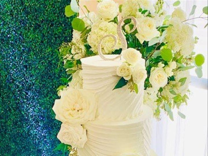 Tmx Swag Design1 51 692602 160191340078430 Richmond, TX wedding cake