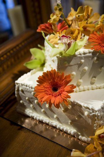 Wedding cake with summer flowers