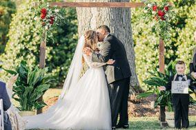 Caryn's Bridals, Formals & Tuxedos