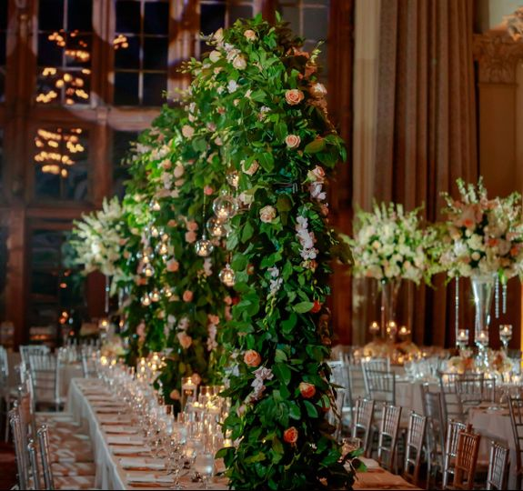 Head table arch centerpieces