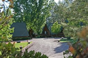 The Cabins on Strawberry Hill